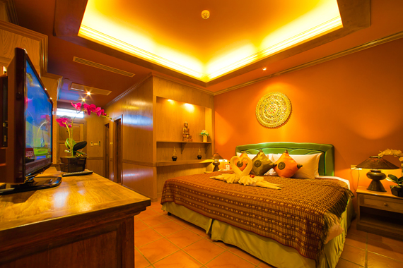 Best Hotel in Phuket Royal Phawadee Village 2