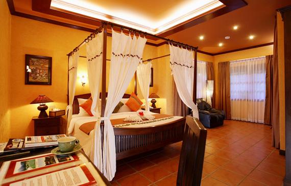 Best Hotel in Phuket Royal Phawadee Village 4
