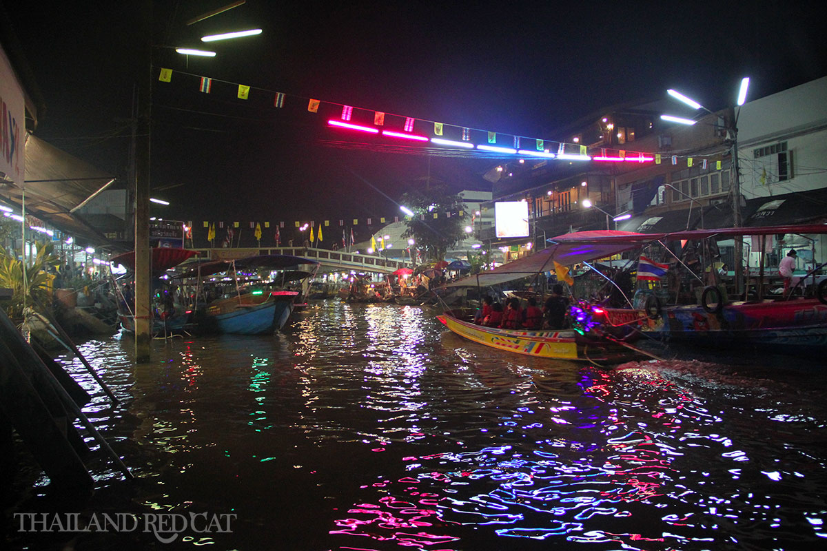 Amphawa Floating Market 6