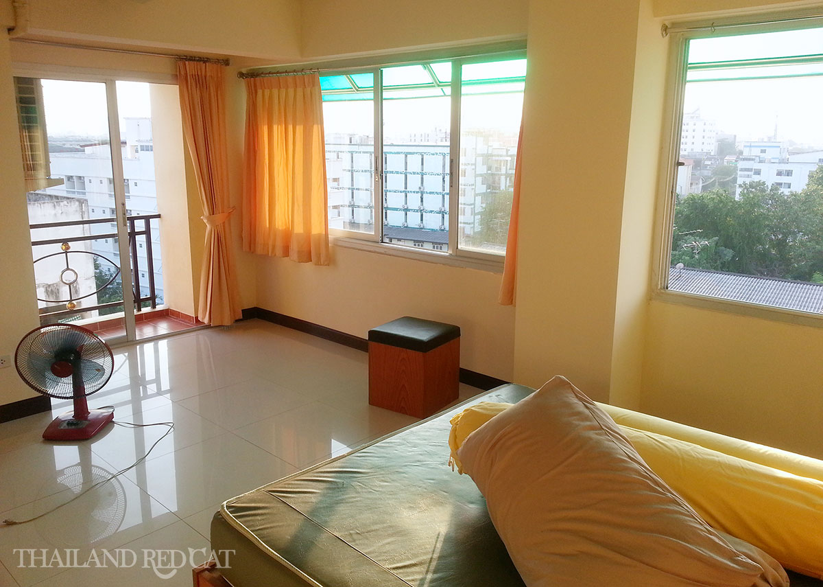 Apartment in Huai Kwang