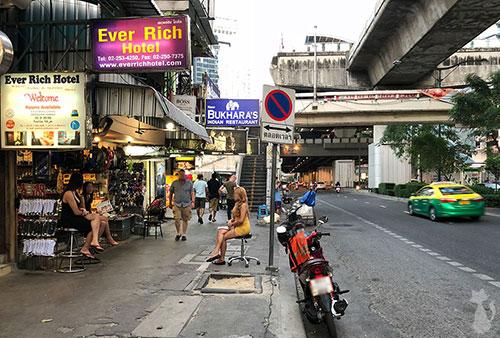 Bangkok Massage Ladyboys