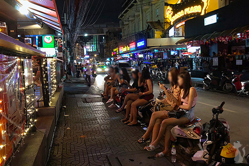 Bangkok Street Girls