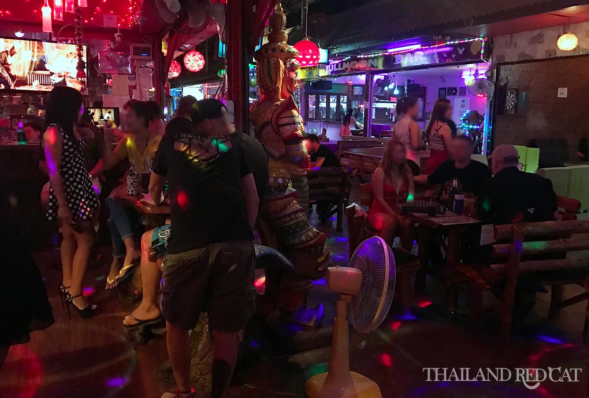Bar Girls in Chiang Mai