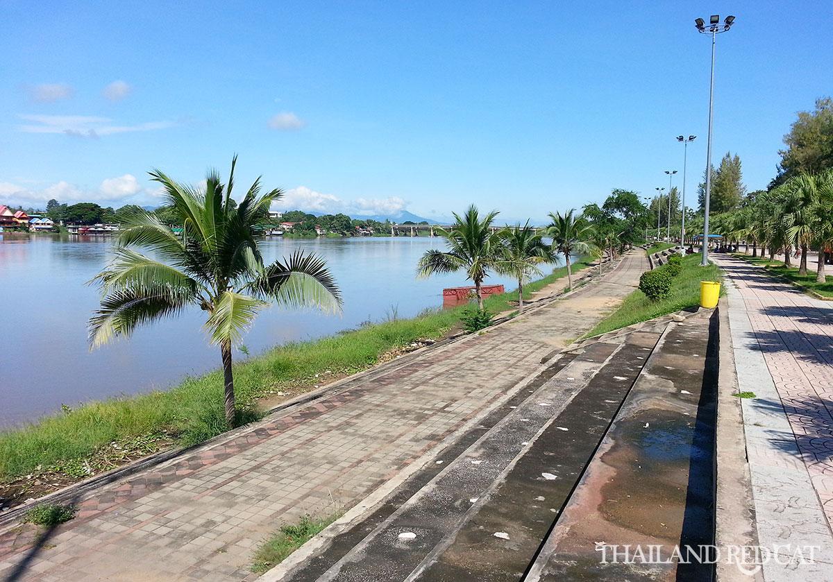 Kamphaeng Phet Riverside