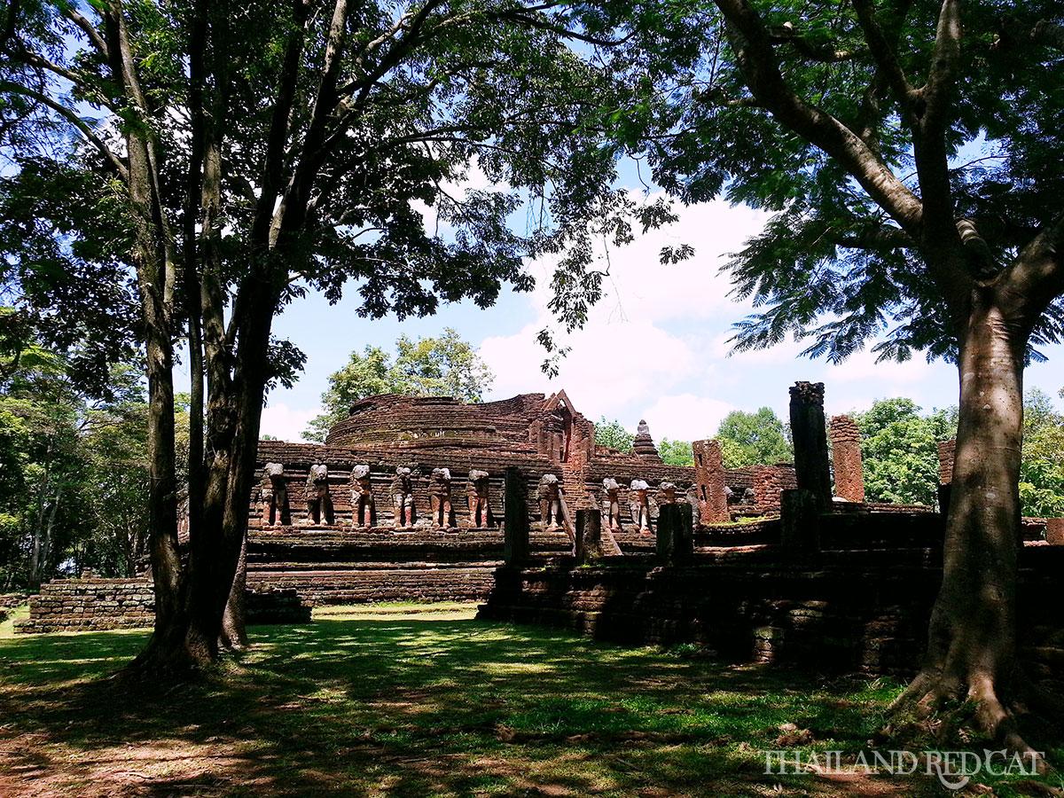 Kamphaeng Phet Wat Chang Rob