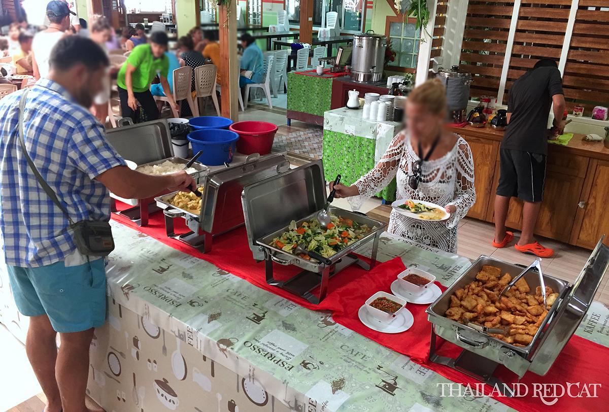 Koh Phi Phi Don Buffet Lunch