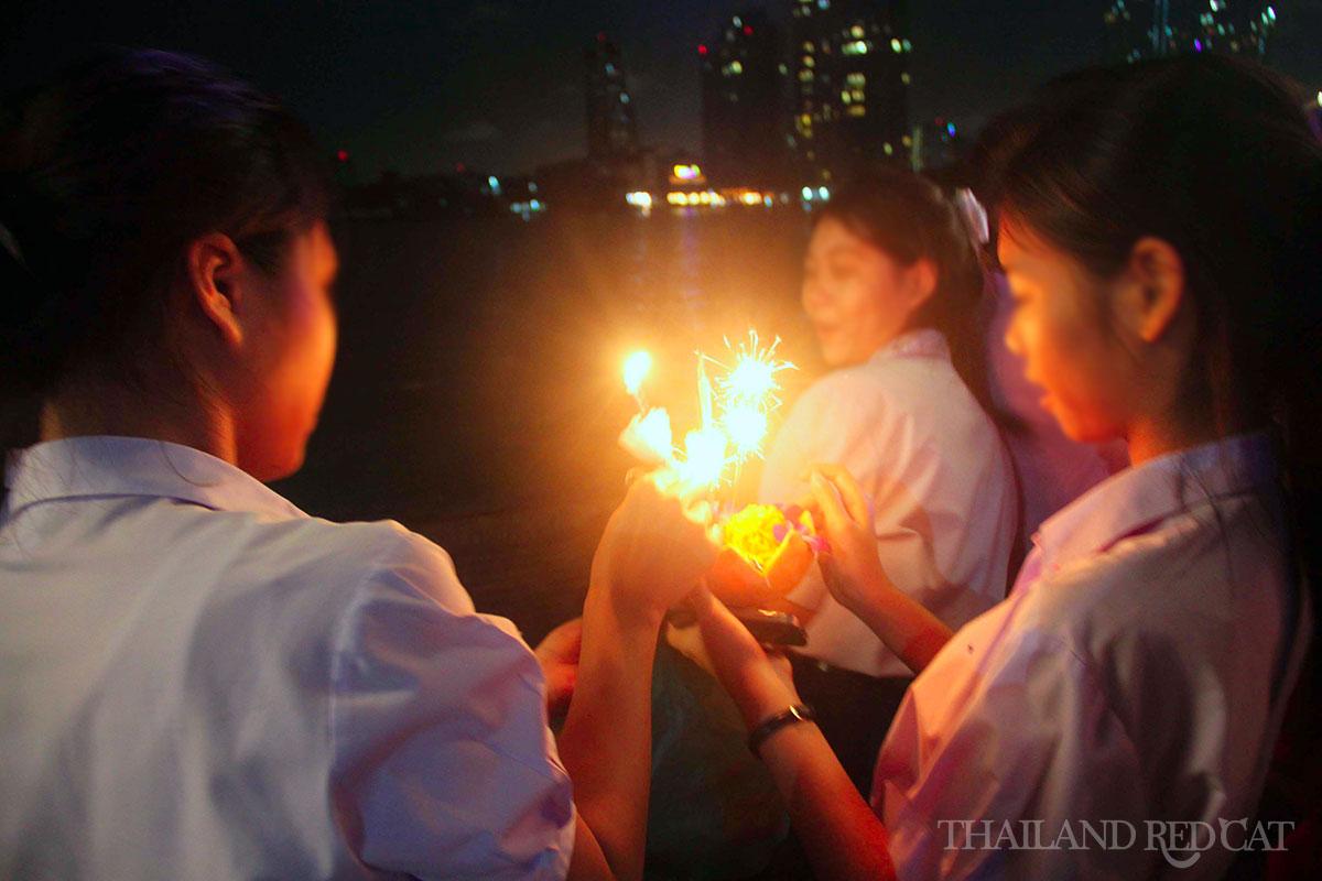 Loi Krathong Bangkok